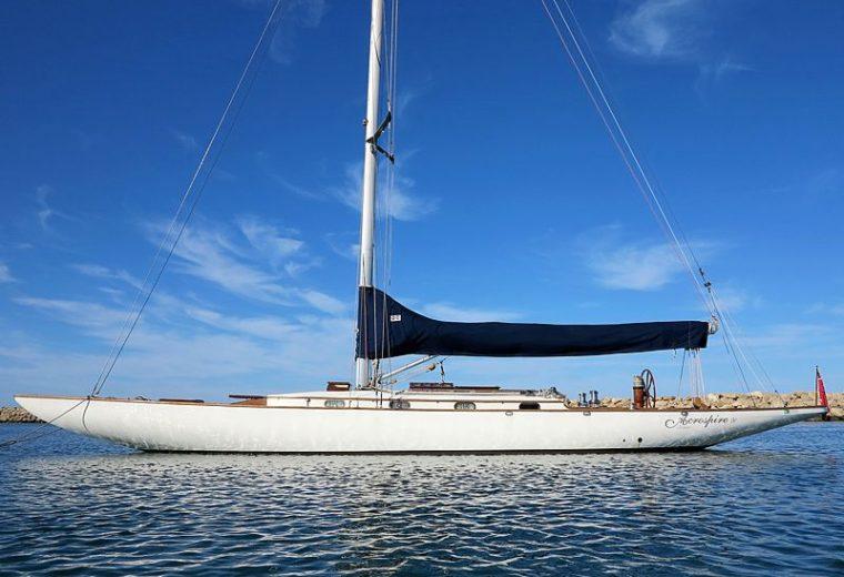 ACROSPIRE 4 Racing Yacht