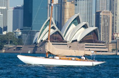 The classic yacht 'Josephine' takes Nanni on board
