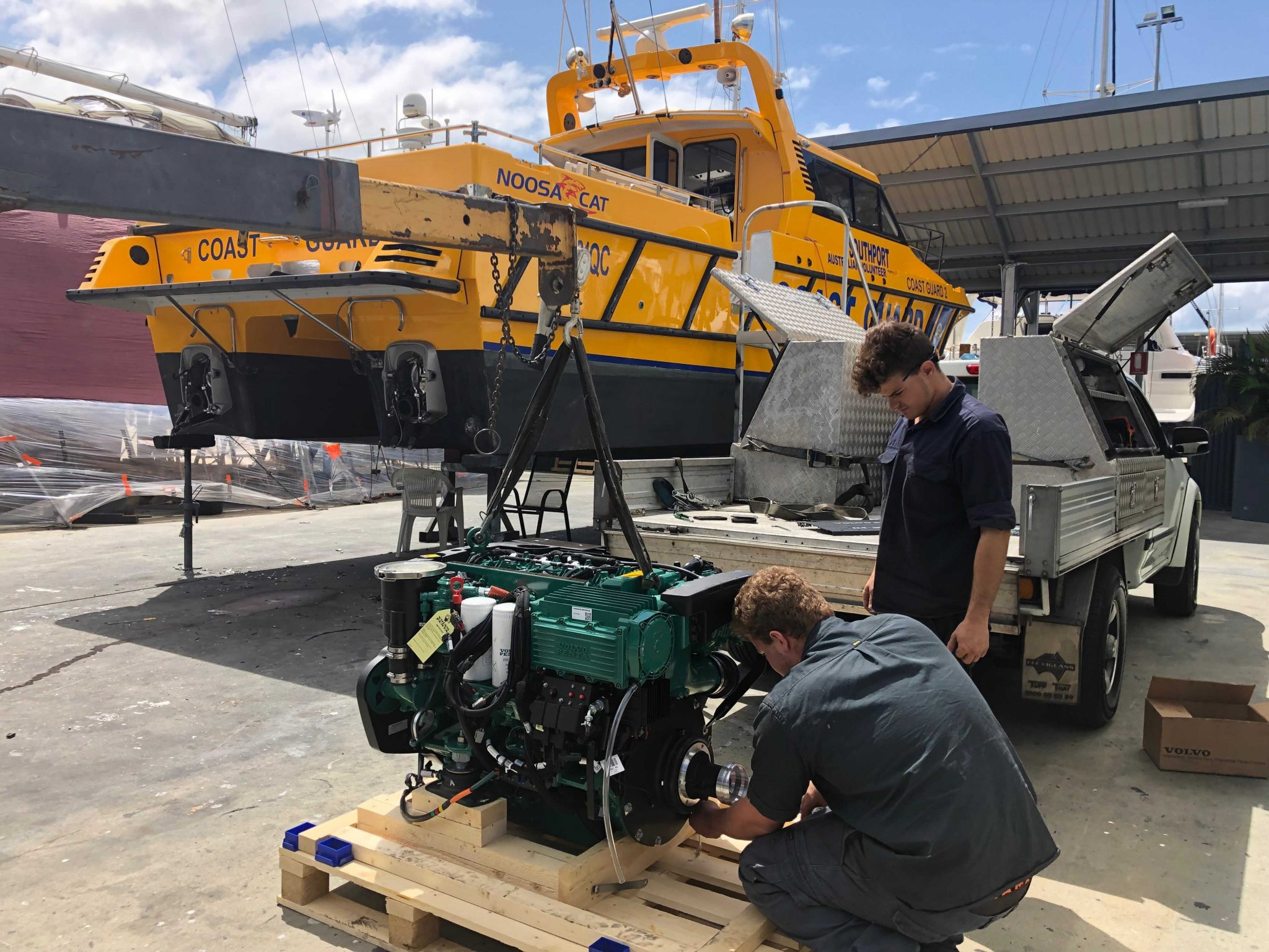 Noosa Cat Engine install, The Boat Works