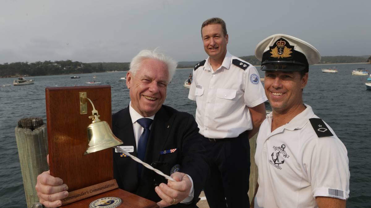 port hacking putters regatta Jim Glissan rings the bell to start the Regatta