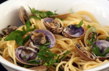 Sydney Seafood School Makes Friday Night Dinner Special