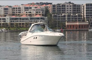 Sea Ray Sundancer 330