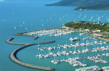 Charter Vessels in North Queensland