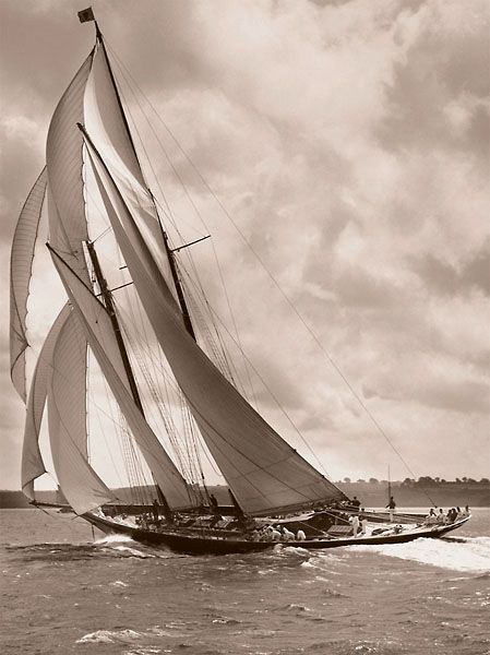 Beken of Cowes photograph