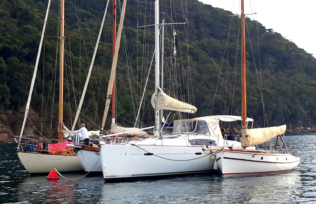 Yachts Raft up