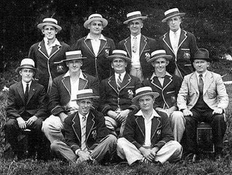 18ft Skiffs Aberdare crew in 1930s
