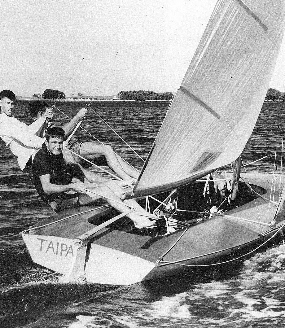 18ft Skiffs Bob Miller (aka Ben Lexcen) and the controversial Taipan in 1960