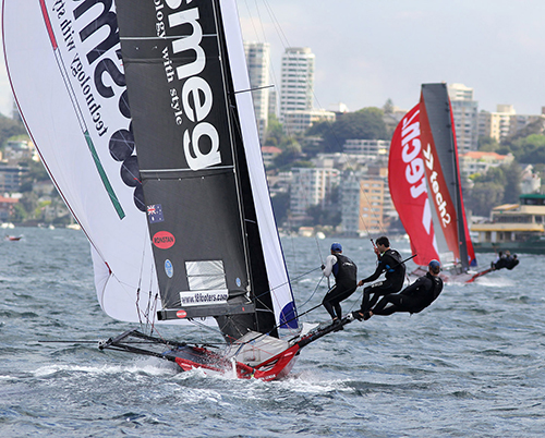 Smeg chases tech2 down the middle spinnaker run