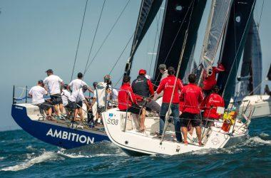 Melbourne's Christmas yacht races draw huge fleets