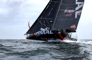 Vendée Globe: Battle to the end on Biscay