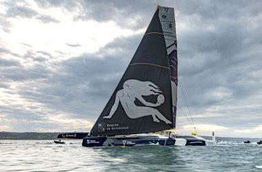 Maxi Edmond de Rothschild establishes new Rolex Fastnet Race record