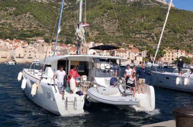 Bringing a big catamaran into a dock